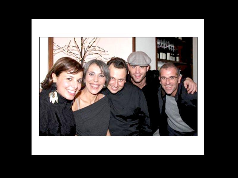 Francesca Barberini e Laura Ravaioli coi mitici chef Maurizio Santin, Simone Rugiati, Max Mariola.