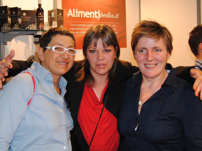 Sandra Ciciriello e Viviana Varese con Federica Spelta