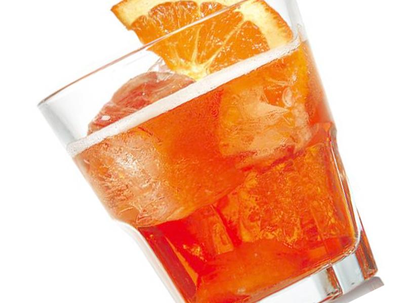 Spritz aperitivo preparazione e curiosit for Bicchieri aperol spritz
