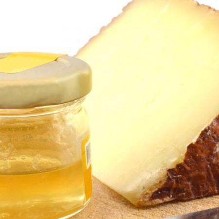 Abbinamento miele e formaggio