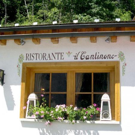 Al ristorante Il Cantinone