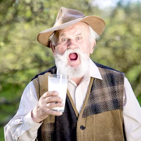 Latte e anziani