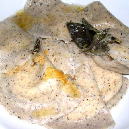 Ravioli di grano saraceno con ripieno di Bitto