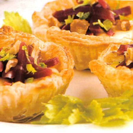Tartellette con insalata e radicchio