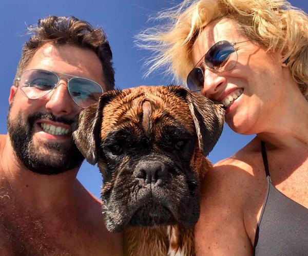 Chef Andrea Nari con la moglie e il cane