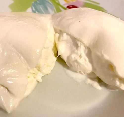 Burrata con insalata