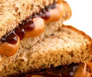Pane con burro d'arachidi e marmellata