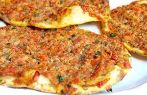 Lahmacun, pizza turca