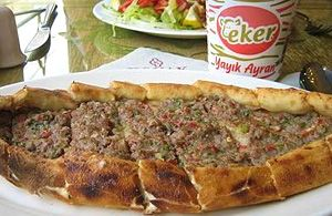 Pideci, le pizzerie turche
