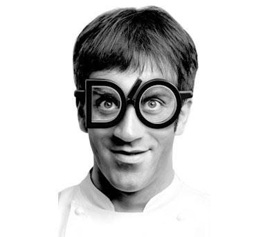 Davide Oldani con gli occhiali D'O
