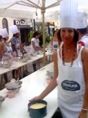 Nicoletta Spelta al corso di Cheese Cake