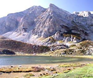 Lago Raschera e il Monte Mongioie
