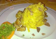 Tagliatelle con porcini freschi e tartufo nero