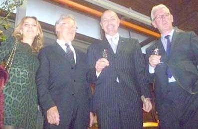 Cristina Nonino e Massimo Gelati con i vincitori Hans Kung e Michael Burleigh