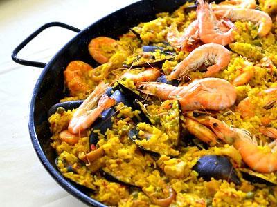 Paella con pesce
