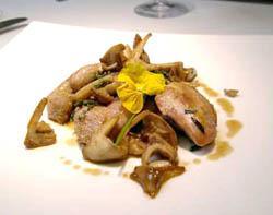 Quaglia disossata con funghi prugnoli e foie gras