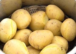 Come cuocere le patate al vapore