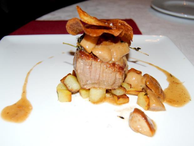La piazzetta: piatto filetto e porcini