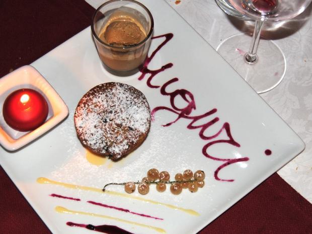 Piazzetta: il dolce con auguri