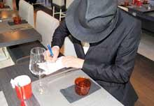 Simone Rugiati firma autografi