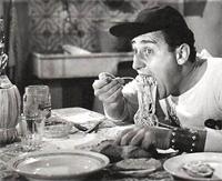 Alberto Sordi e gli spaghetti