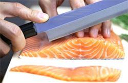 Taglio del pesce per Sashimi