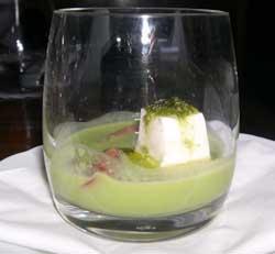 Crema di piselli, raviggiolo e pomodorini