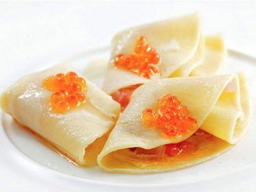 Ravioli ripiegati con uova di salmone di Hiro Shoda