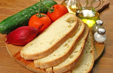 Ingredienti della panzanella