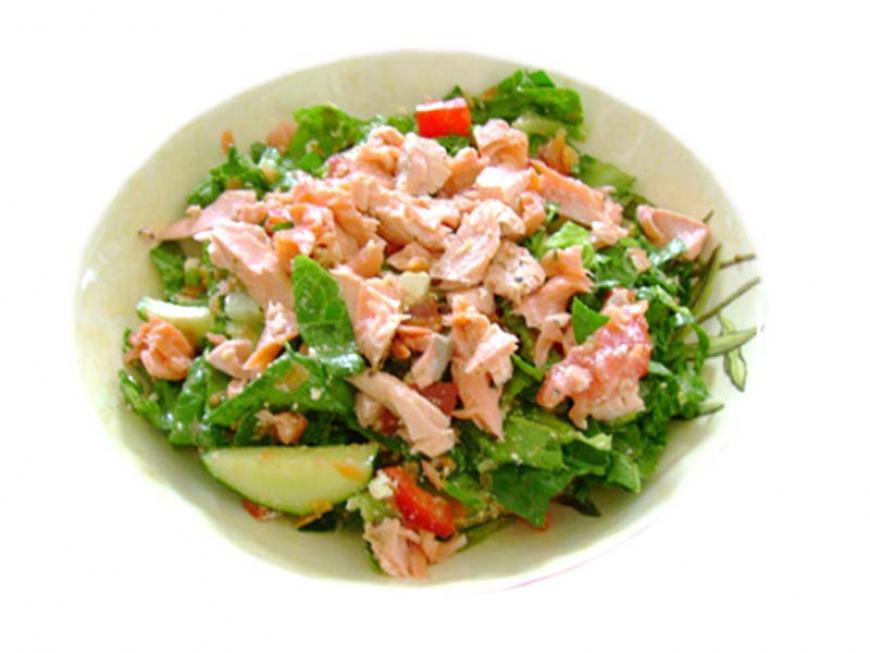 Insalata di avocado al salmone