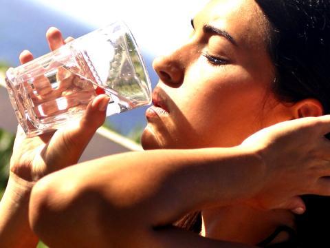 8 bicchieri d'acqua e passa lo stress da rientro