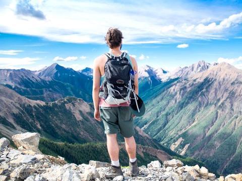 L'alimentazione ideale per fare trekking. Cena, colazione e pranzo corretti per affrontare la fatica