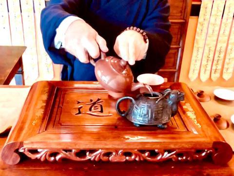 Bere il tè: quanto, quando, quale e perché, secondo la Medicina Tradizionale Cinese